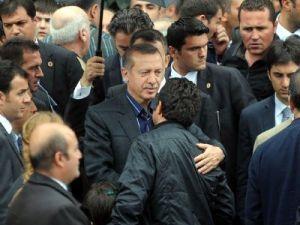 Başbakan Sûre okudu camidekiler göz yaşına boğuldu