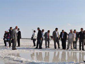Başkanlar Tuz Gölünü gezdi