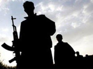 Teröristler kaçırdıkları korucuyu bıraktı