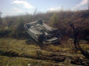 Beyşehirde otomobil devrildi