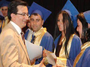 Selçuk İletişimde mezuniyet şöleni