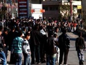 Esnaf PKK eylemcilerini dövdü