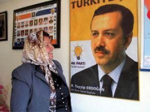 Azeri Feride Ercan Erdoğana şiir yazdı