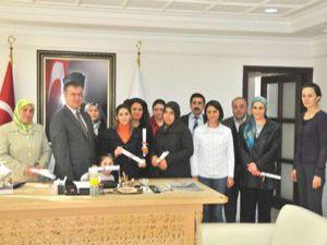 Akşehirde kursiyerlere sertifikaları verildi