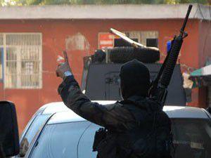 Özel harekatçılar 3 teröristi yakaladı
