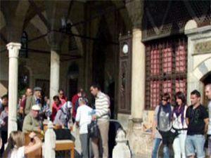 Mevlana Müzesi, ziyaretçi akınına uğradı