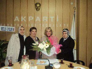 Karatay Kadın Kollarından AK Partiye ziyaret