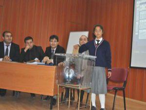Kuluda öğrenciler meclis başkanını seçti