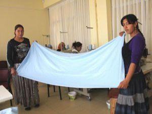Ev hanımları ameliyathane tekstiline adım attı
