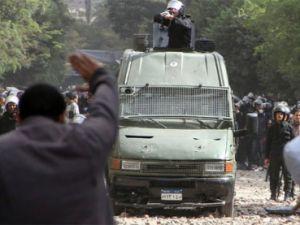 Mısırda şiddet yine baş gösterdi