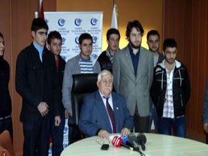 Anadolu Gençlik Derneğinden depremzedelere burs