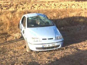 Konyada öğretmenleri taşıyan araç devrildi