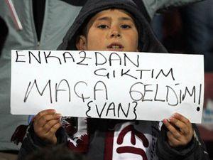 Trabzonda duygulandıran pankart