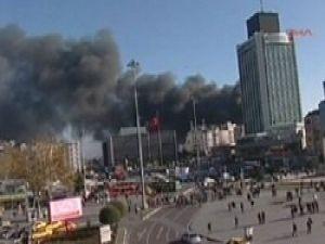 Taksimde korkutan yangın