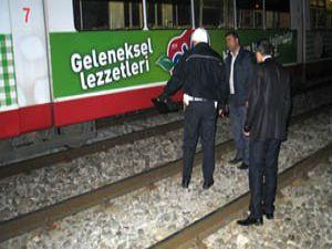 Tramvay öğrenciyi ezdi