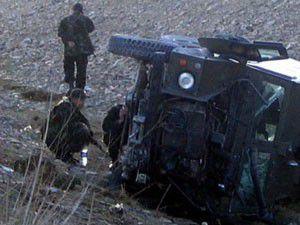 Askeri araç kaza yaptı: 2 yaralı