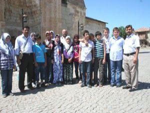 Vandan gelen Kuran kursu öğrencileri Konyada
