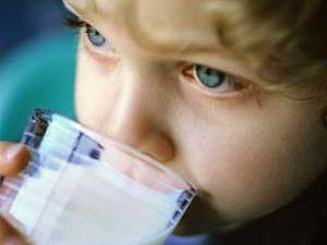 Çocuklara süt içirin