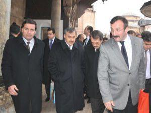 Bakan Eroğlu Konyada öğrencilerle sohbet etti