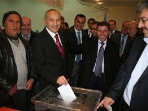 Ak Parti Beyşehir Nafiz Huğlu ile devam