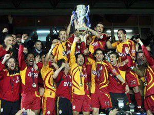 Galatasaray 2011i de kupasız tamamladı