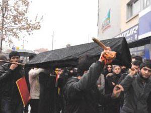 Konyada AK Partiye Uludere protestosu