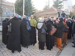 Konyada KYK önünde protesto
