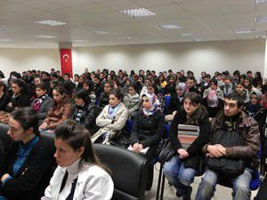 Öğrencilere gençlik ve ahlak konulu konferans