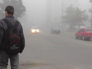 Konyanın Beyşehir ilçesi sise teslim oldu