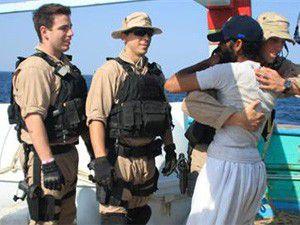 ABD 13 İranlıyı korsanlardan kurtardı