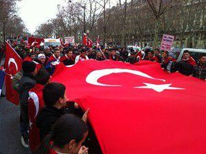 Fransada büyük türk yürüyüşü