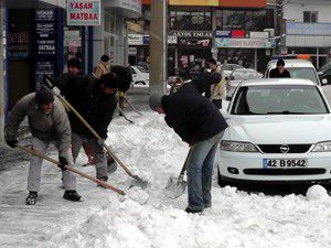 Beyşehirde kar mesaisi