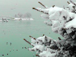 Buz kalınlığı 10 santimetreyi buldu