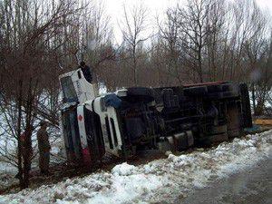 Akşehirde trafik kazaları: 6 yaralı