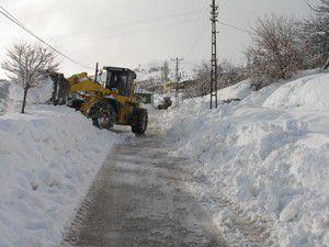 Hadimde kar temizleme çalışmaları