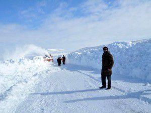 Çeltik , Yunak ve Emirgazide kar yağışı