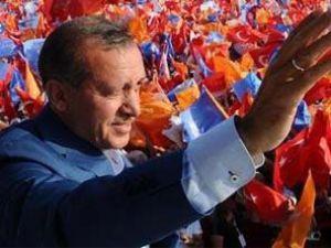 AK Parti rekor kırıyor, BDP barajı aşıyor