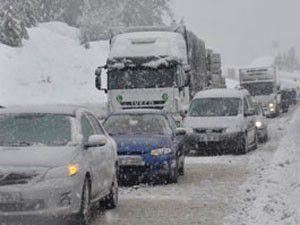 Akseki-Seydişehir yolunda yoğun kar