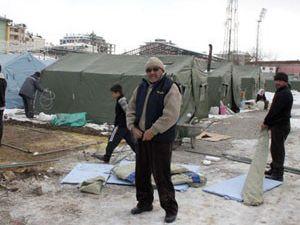 Çadırları boşaltın denilen depremzedeler tepkili