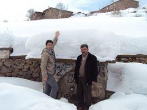 Konyadaki köyde 2 metrelik kar