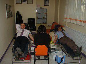 İlköğretim okulunda kan bağışı kampanyası