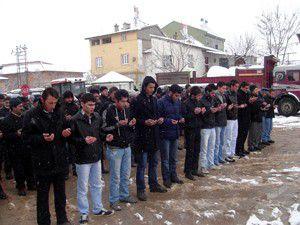 Güneysınırda asker adayları dualarla uğurlandı