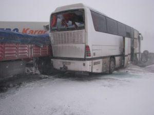Konyada zincirleme trafik kazası: 11 yaralı