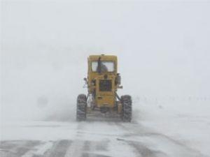 Yoğun kar Konyada ulaşımı etkiledi