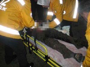 Mevlana Müzesi önünde bıçaklandı