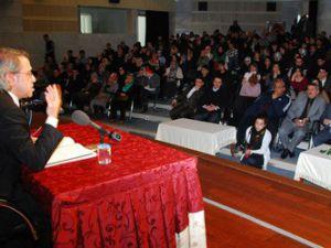 Şehir Konferanslarının konuğu Mustafa Armağan