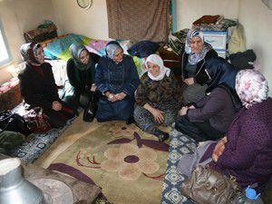 Ak Parti Konya İl Teşkilatından yaşlılara ziyaret