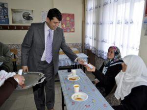 Ana Kız Okuldayız kampanyası sertifika töreni