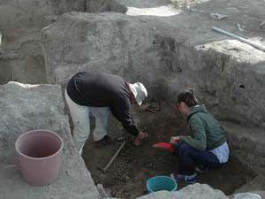 Konyada 8 bin yıllık tapınak bulundu