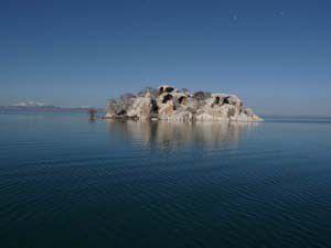 Beyşehir Gölünde adalar küçülüyor